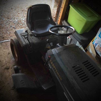 Riding Lawnmower - 6Speed