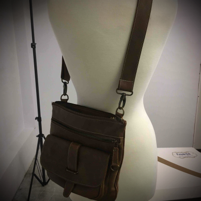 Roots brown leather bag
