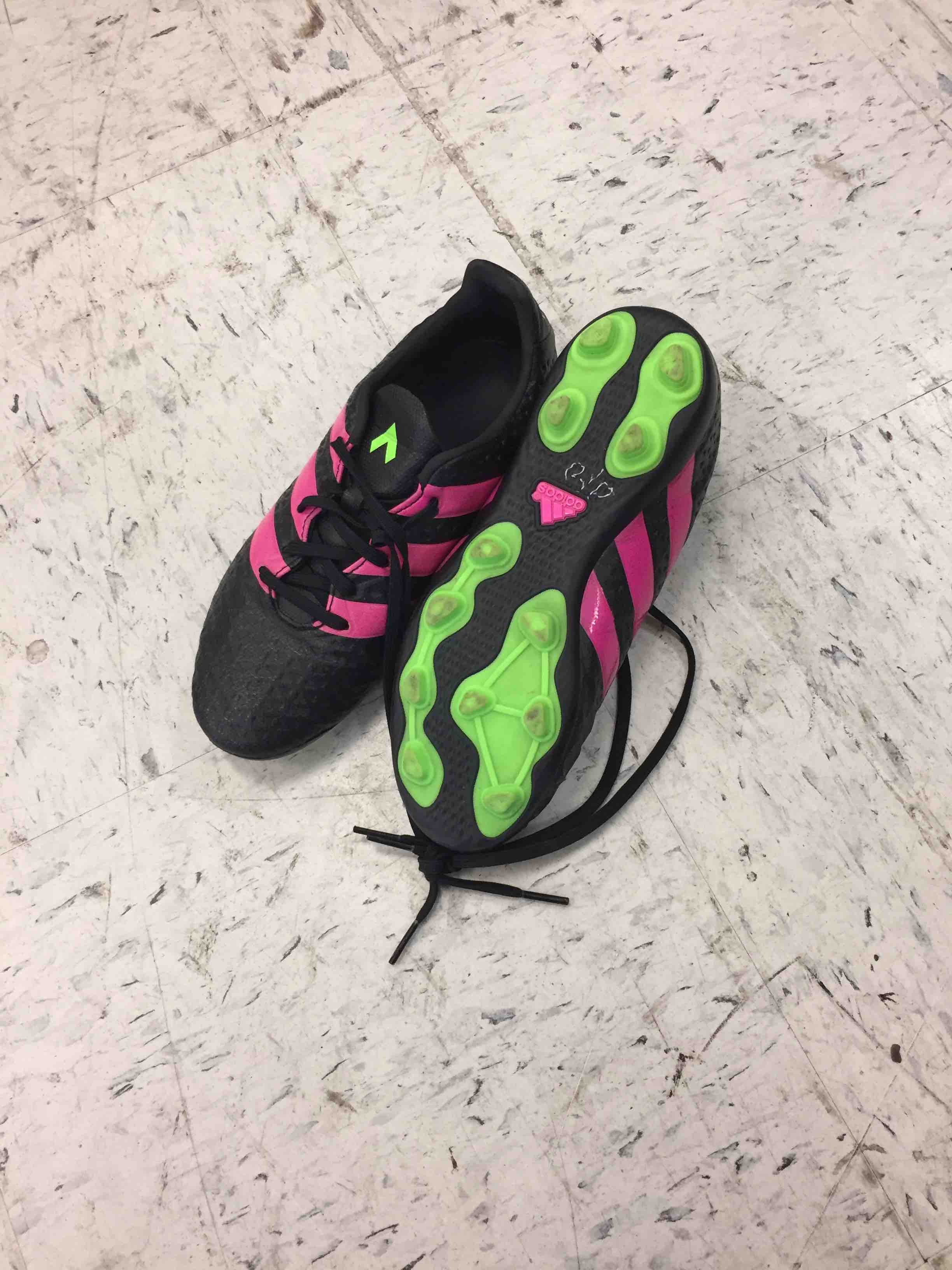 Adidas girls cleats size 4
